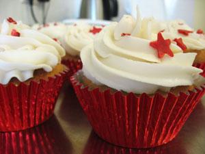 raspberry sundae cupcakes, vegan