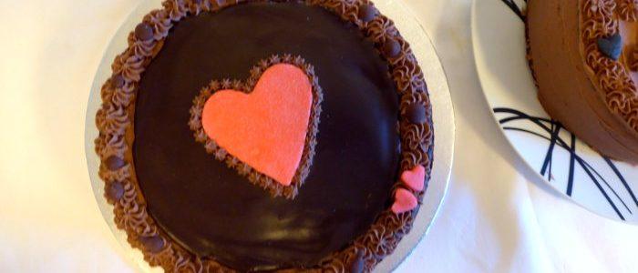 Vegan Valentine's Cake - Fairfoods