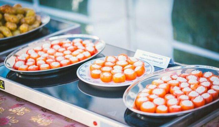 Stuffed Cherry Tomatoes with Vegan Cream Cheese